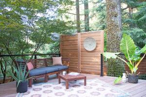 ipe-deck-with-cedar-screen-wall