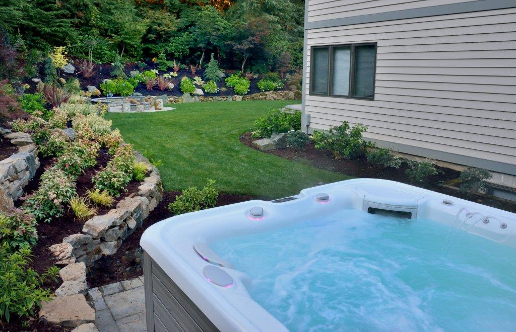 Image of an Oregon City hot tub design and installation project by Drake's 7 Dees