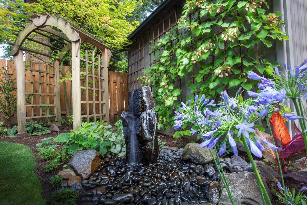Image of a Willamina backyard garden design and installation project by Drake's 7 Dees