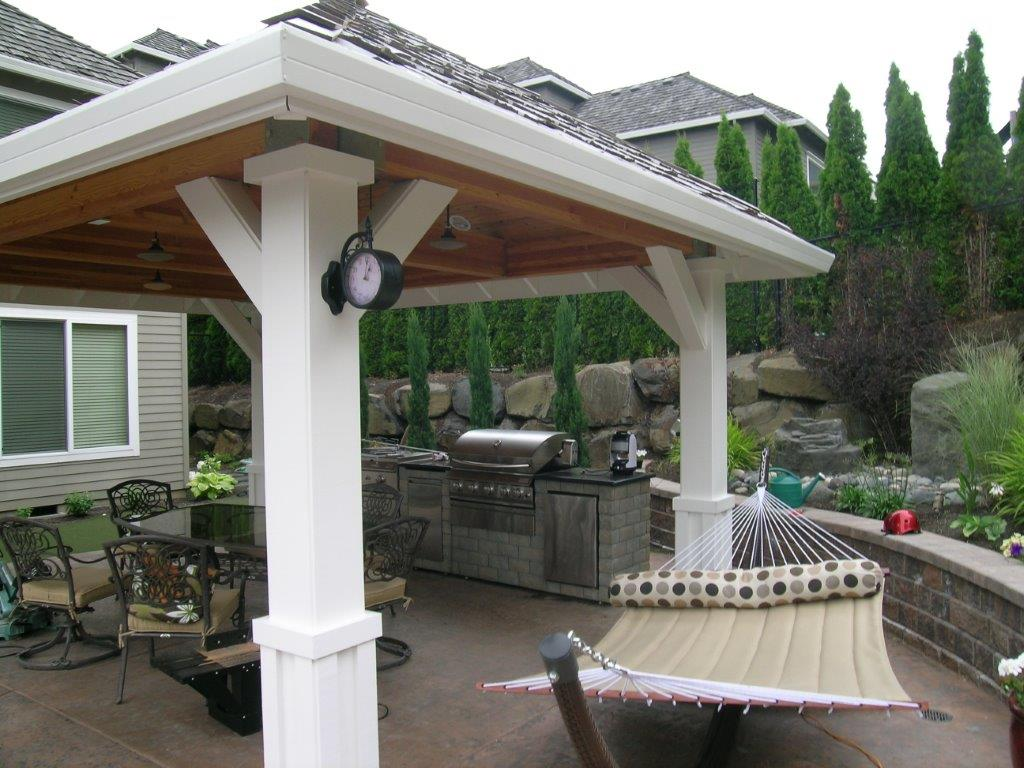 Image of a Portland Backyard Kitchen Design and Build by Drake's 7 Dees