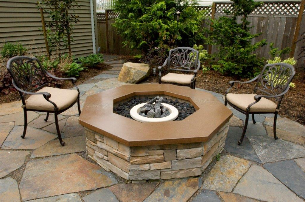 Image of an Oregon City fire pit design and build project by Drake's 7 Dees